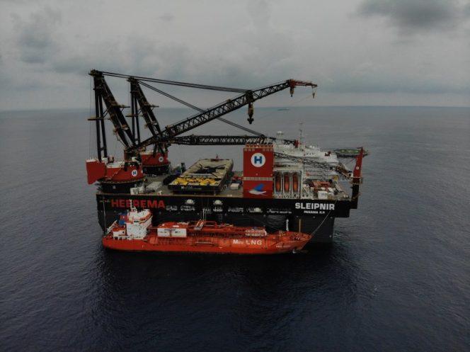 Heerema neemt grootste  kraanschip ter wereld in gebruik