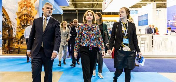 Minister onder de indruk van Europort beurs
