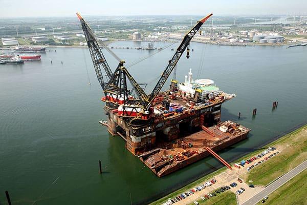 Kraanschepen Heerema stappen over op windenergie