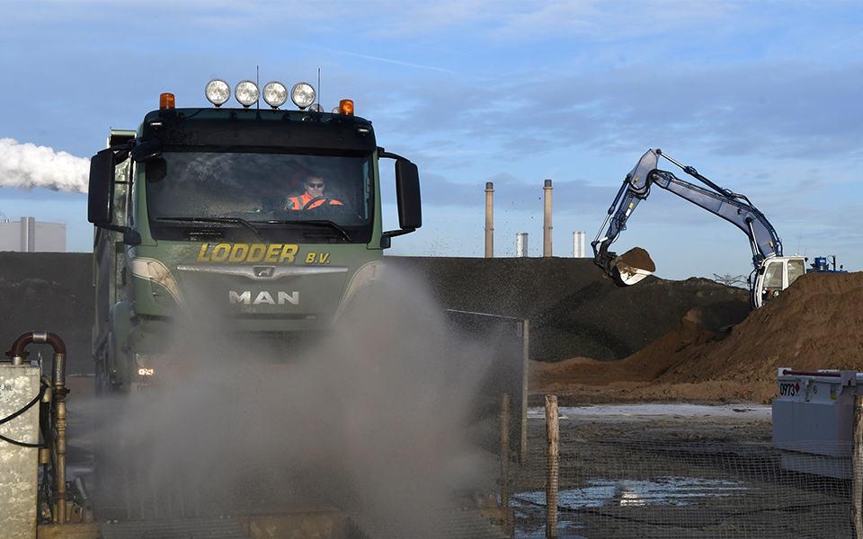 Havenbedrijf Rotterdam opent eerste duizendknoopdepot