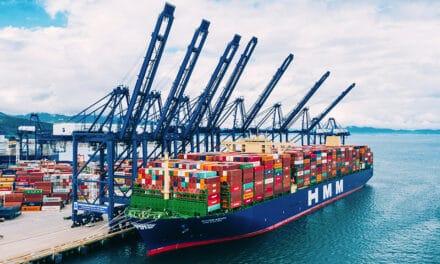 HMM Algeciras Nieuwste grootste containerschip ter wereld op weg naar Rotterdam