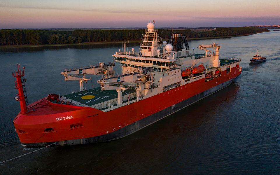 Gigantische Australische ijsbreker voor proefvaarten naar Vlissingen
