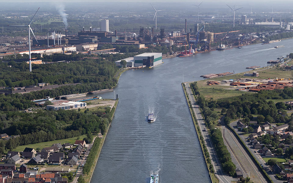 Steeds meer goederen vanuit North Sea Port met binnenvaart naar het achterland