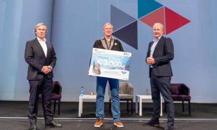 Stichting Duik De Noordzee Schoon ontvangt donatie voor vertaling avonturenboek