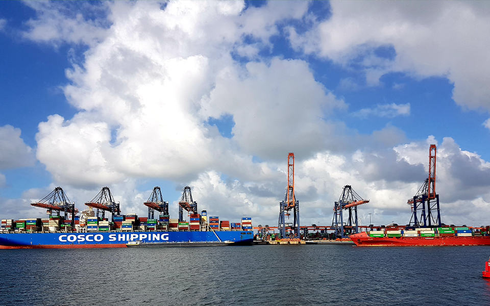 Binnenvaart weer in de wacht door opstoppingen in de haven