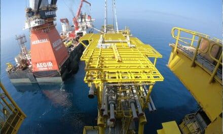 Heerema klaar in Qatar en bouwt af in Angola