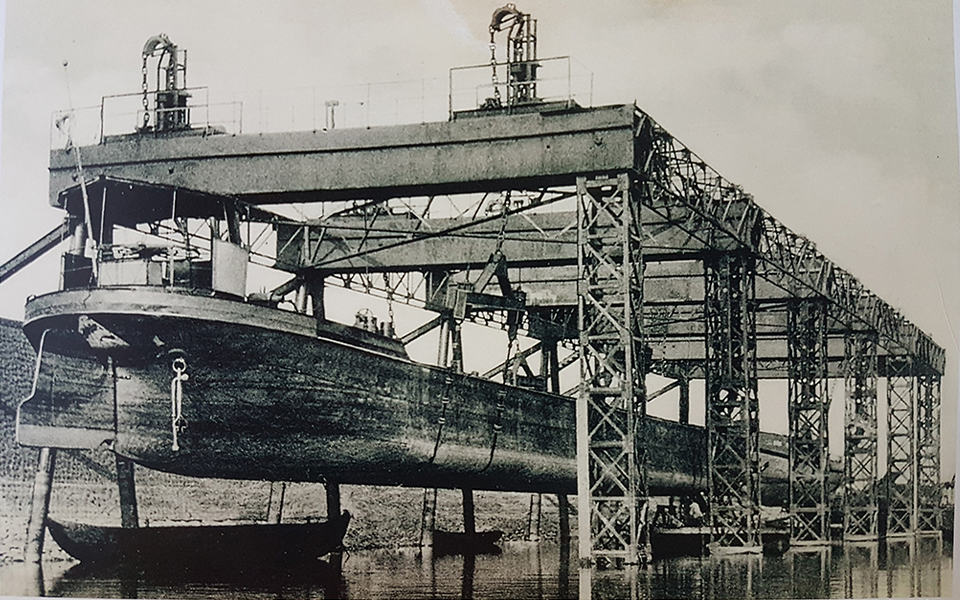 de Oderwerke werf in de haven van Keulen-Deutz
