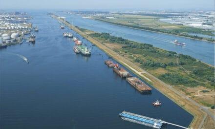 Uitbreiding in Calandkanaal Overslag op de palen populair in Rotterdamse haven