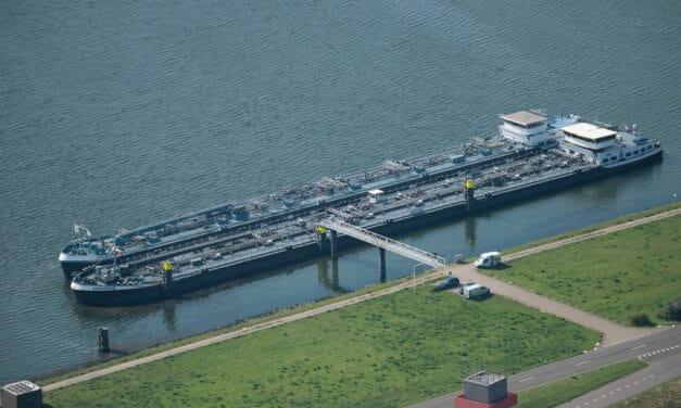 BinnenvaartligplaatsenHavenbedrijf Rotterdam start proef met gemengd afmeren