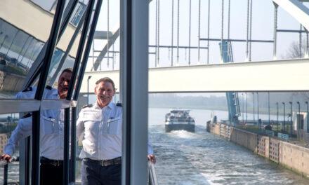 Havenbedrijf wil 50 jaar oude Rozenburgsesluis renoveren