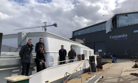 Europarlementariër Tom Berendsen bezoekt haven Werkendam