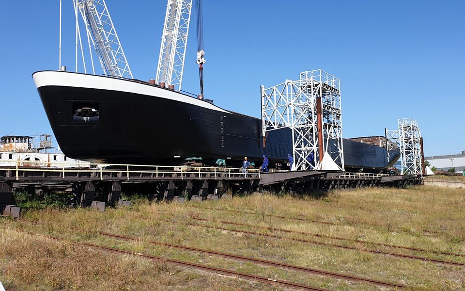 Kooiman Marine Group heeft opdracht voor het ontwerp en de bouw van een groen beunschip