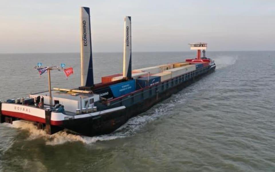 Containerbinnenvaart heeft wind in de zeilen