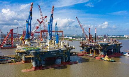 OOS-vloot twee 'tall ships' rijker