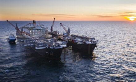 Pioneering Spirit bouwt Baltic pijpleiding