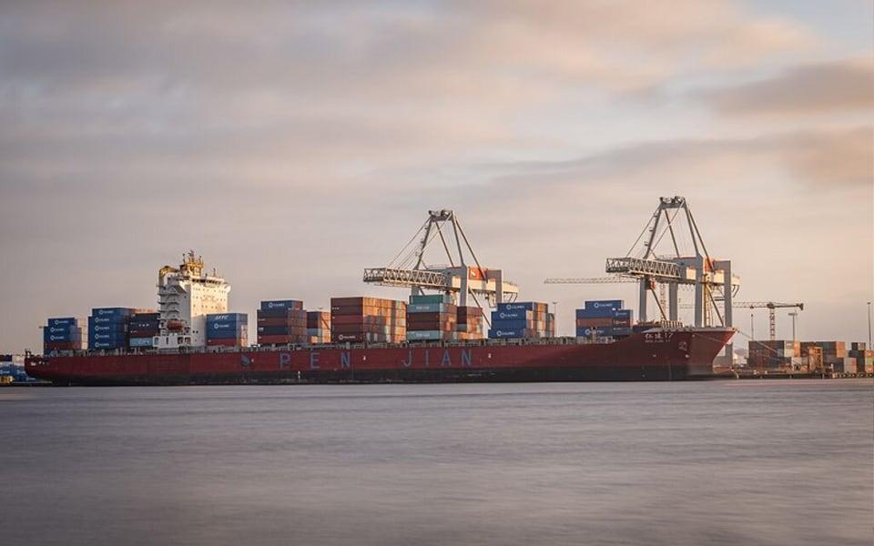 Overslagcijfers zeehavens Noordzeekanaalgebied stabiliseren